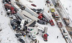 24-Καραμπόλα φορτηγών λόγω χιονιού